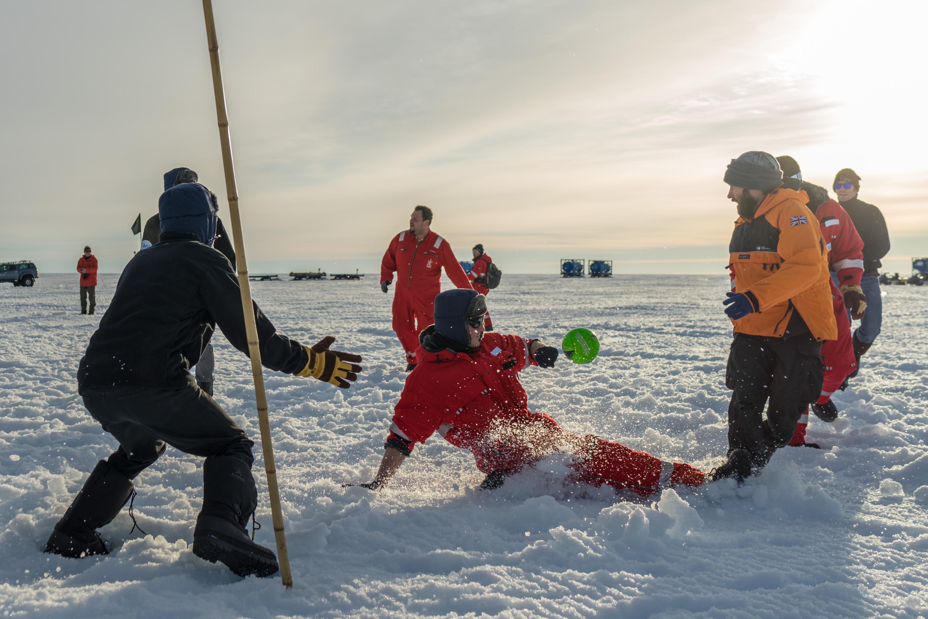 PS111: Antarktis - Atka Bay
